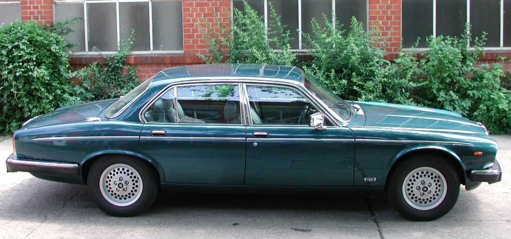 Special cars: Daimler Double Six